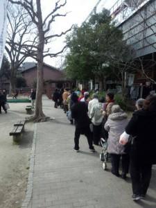三条会の3月のイベント|京都産お肉が当たる抽選会の行列